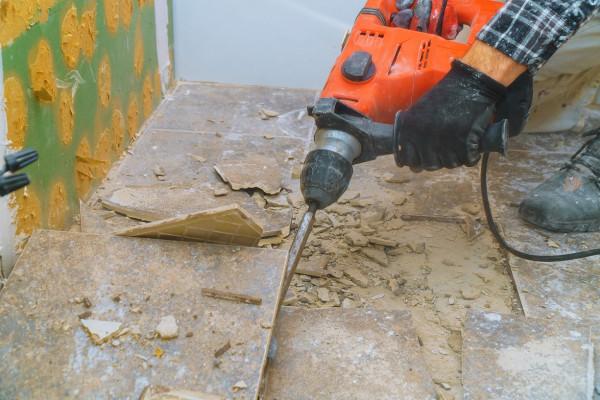 Floor Tile Removal. Dustless Method